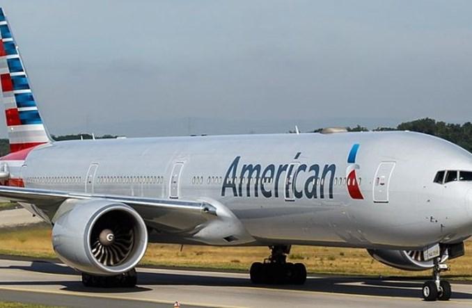 Napoje, w tym alkohole, wracają na pokłady maszyn American Airlines