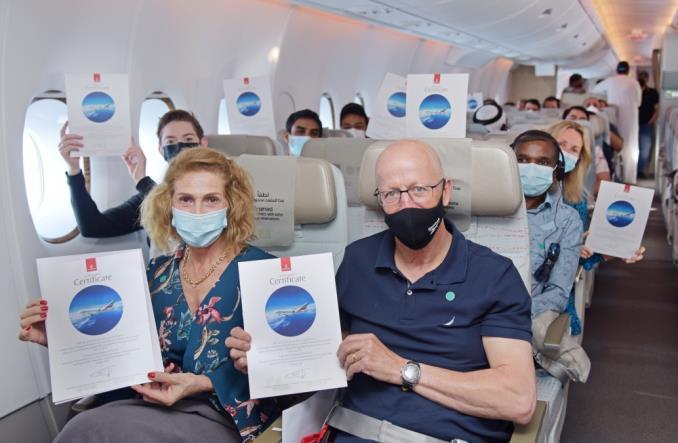 Emirates: Specjalny lot A380 z w pełni zaszczepioną załogą i pasażerami