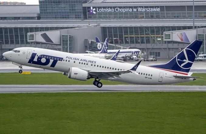 LOT: Cztery MAX-y wykonują połączenia z pasażerami