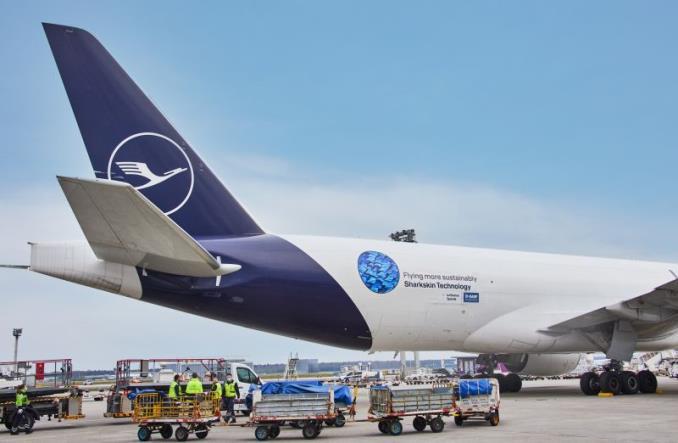 Lufthansa Cargo wyposaży B777F w AeroSHARK i zmniejszy roczne emisje o 11,7 tys. ton