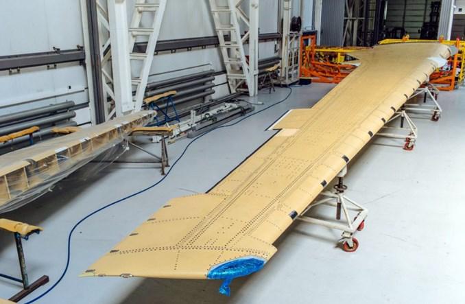 Irkut Corporation odebrał płat skrzydła MC-21-300 wykonany z rosyjskich materiałów kompozytowych