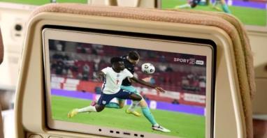 Sportowe emocje na żywo na pokładzie linii Emirates