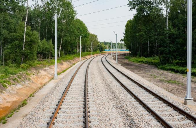 Widać postępy prac na linii kolejowej do lotniska Pyrzowice [zdjęcia]