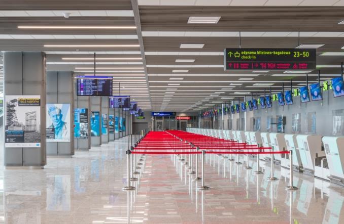 Katowice Airport: Odnowiony Terminal B znów z pasażerami (zdjęcia)