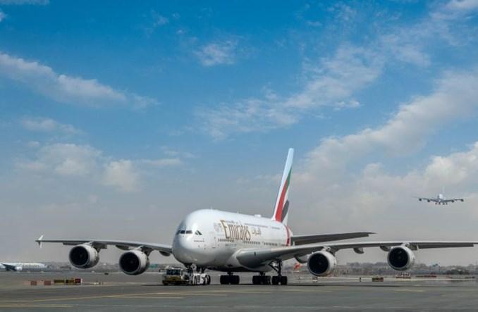 Więcej lotów Emirates do Anglii i Szkocji. Częściej z A380