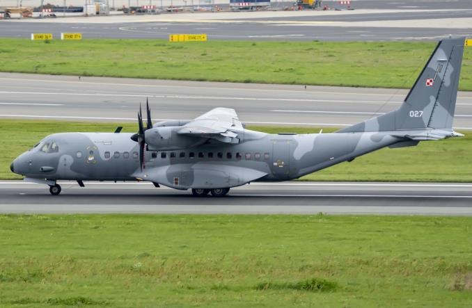 Trzy polskie samoloty wojskowe odleciały do Afganistanu (zdjęcia)