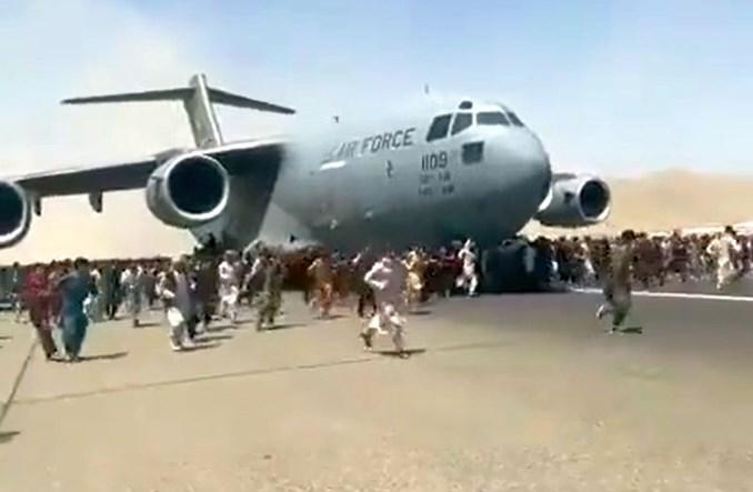 640 osób odleciało jednym C-17 z Kabulu do Kataru