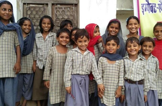 Emirates wspierają projekty na rzecz piśmienności i edukacji na całym świecie