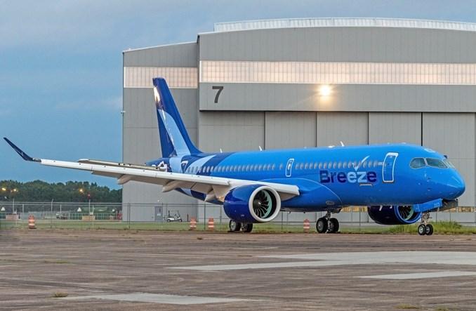 Airbus zaprezentował pierwszego A220 dla Breeze Airways. Linia zamawia kolejne samoloty tego typu