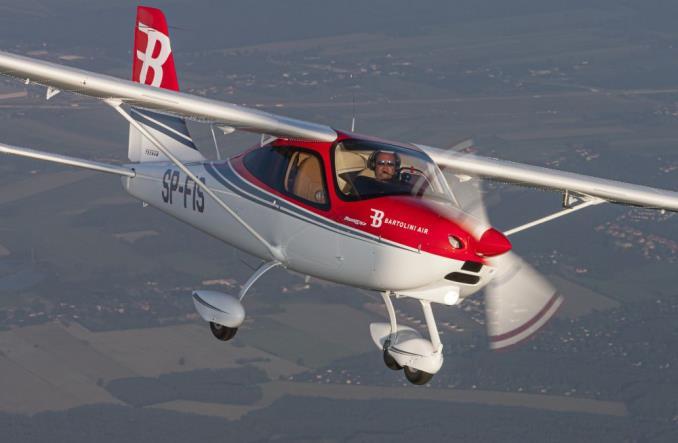 Ośrodek Bartolini Air szkoli coraz więcej pilotów dla Ryanair