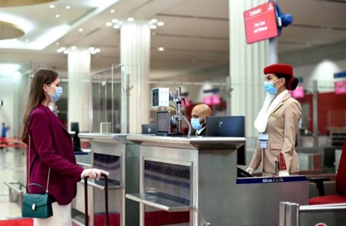 Emirates wdrażają IATA Travel Pass na sześciu kontynentach