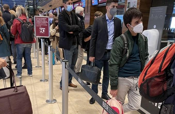Chaos na lotnisku w Berlinie. Opóźnienia i ogromne kolejki do odprawy bagażowej