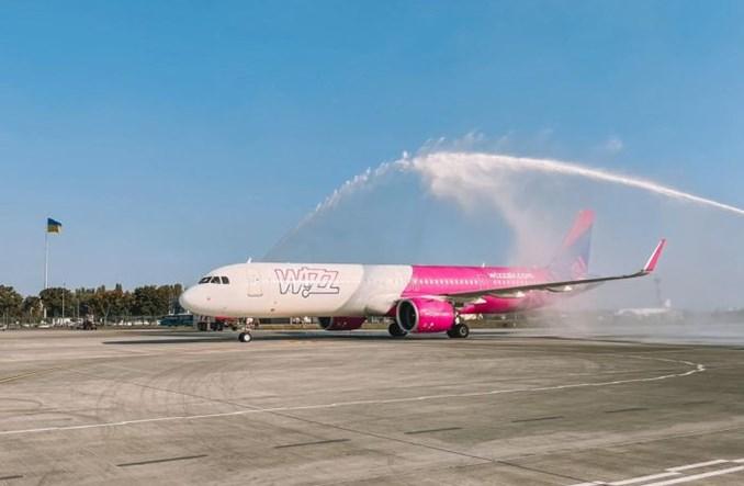 """Wizz Air reaguje na """"otwarte niebo"""" na Ukrainie. 26 nowych tras, ale żadnej do Polski"""