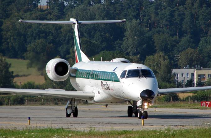Ostatni lot Alitalii. Włochy żegnają się z linią lotniczą po 74 latach