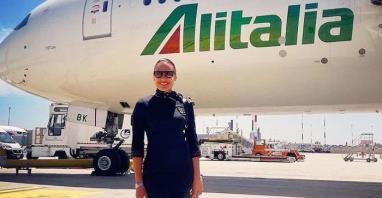 Rzym: Protest byłych stewardes Alitalii. Zdjęły uniformy i buty