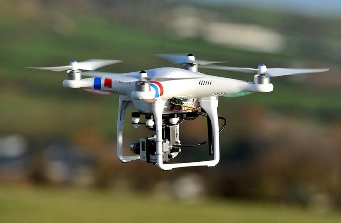 Hiszpanie używają dronów do walki z piratami drogowymi