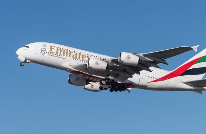 Emirates: Czyli jak umyć samolot bez użycia wody