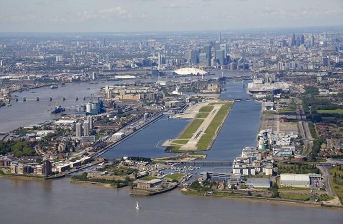 Londyńska ofensywa LOT. Czy warto latać z CEE do LCY?