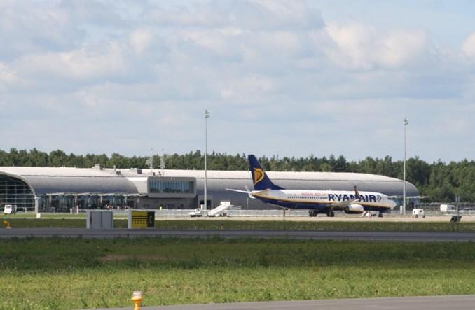 Modlin: Sprzeciw dla rozbudowy lotniska odbije się na pasażerach