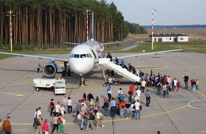 Rośnie zainteresowanie lotami z Zielonej Góry do Warszawy