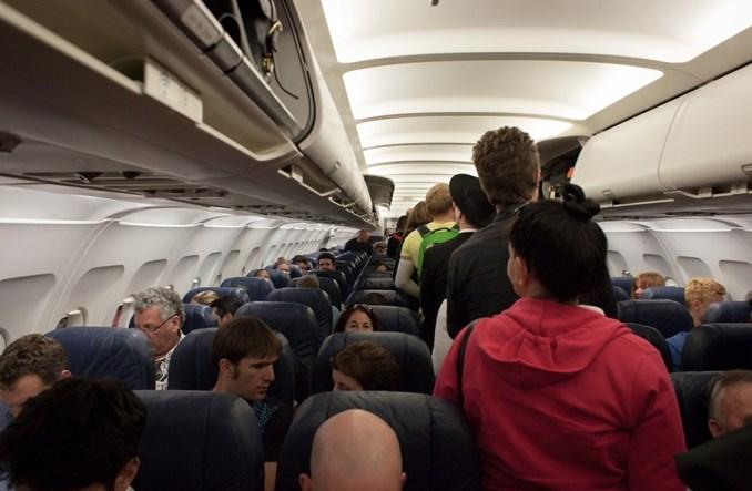 """Ryzyko zarażenia COVID-19 w samolotach """"bardzo niskie"""""""